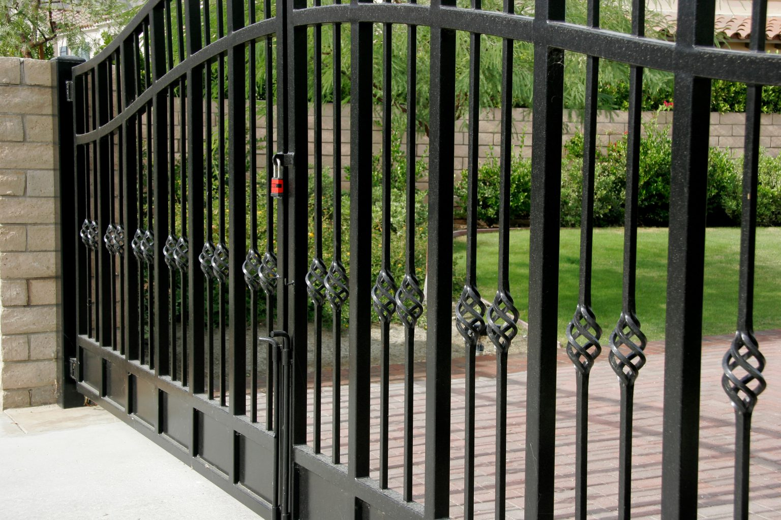 Wrought Iron Gates: Electric Wrought Iron Gates Wakefield & Castleford
