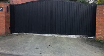 Large gate installation