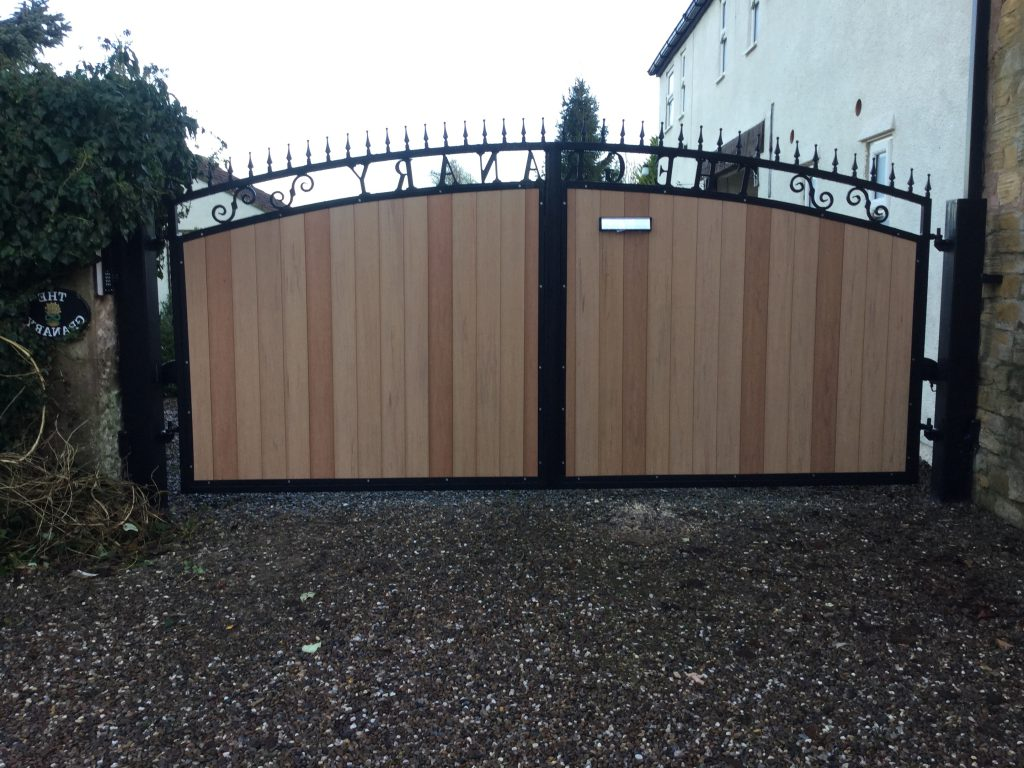 Composite swing gates – Wetherby